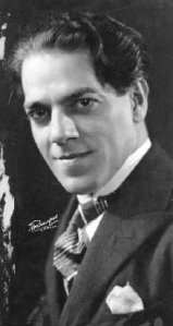 Heitor_Vila-Lobos_(c._1922)