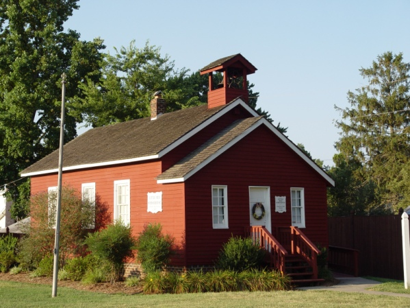 charlotte-hall-st-celements-island-museum-school-house