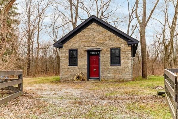 stone-cabin-liberty-school-delaware-ohio