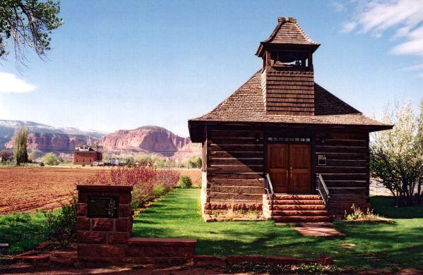 Torrey-HistoricSchoolhouse_TorreyUT